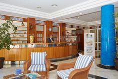 Bienvenidos al Aparthotel Floramar, en Cala Galdana, Menorca. www.comitashotels.com