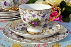 Tuscan China Violets and Gold Teacup Trio c.1947-61 / cakestandheaven.com