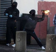 Press Eye - Belfast - Northern Ireland - 12th July 2011 - Picture by PressEye.com - Trouble in the Ardoyne area of north Belfast following a Twelfth of July Orange Order parade past the shops. Nationalist rioters clash with the PSNI.