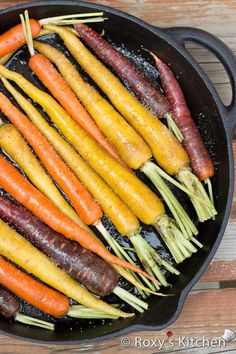 Balsamic Oven-Roasted Rainbow Carrots - super easy to make, healthy and full of flavour and colour! Carrots In Oven, Oven Roasted Carrots, Roasted Vegetables, Veggies, Clean Recipes, Cooking Recipes, Healthy Recipes, Healthy Meals, Salads