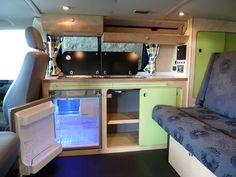 Interior design Dorris - 2 berth camper, 2007 5 belted seats, 3 way fridge, removable rock and roll bed. Vw T5, Transporteur Volkswagen, Vw T3 Camper, Vw Caravan, Kombi Motorhome, Camper Van, Campervan Interior Volkswagen, Camper Beds, Volkswagen Transporter