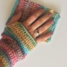 the ordinary diary: How to crochet - Fingerless gloves