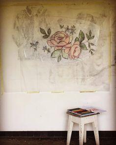 """lamenagereenvrac: """"Aujourd'hui coloriage sur papier de soie #atelier #lamenagereenvrac #fusain #charcoal #coloriage #carandache #papierdesoie #huile #grandformat """""""