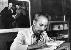 Bộ sưu tập hình ảnh lịch sử về Chủ tịch Hồ Chí Minh - Trường Chính trị tỉnh Bình Phước