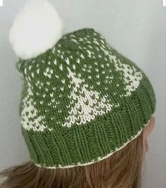"""whimsyknit: """"Snowfall Hat Free pattern http://www.ravelry.com/patterns/library/snowfall-hat """""""