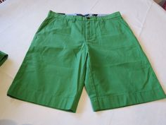 Men's Tommy Hilfiger 36 Classic Fit shorts 341 Cactus Green 7866615 casual TH #TommyHilfiger #shorts