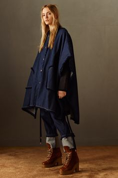 See by Chloé Pre-Fall 2016 Collection Photos - Vogue Fall Fashion 2016, Fashion Week, Winter Fashion, Fashion Show, Fashion Trends, See By Chloé, Denim Fashion, Fashion Outfits, Blue Fashion