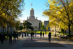 5 Struggles Of Going To A Big University