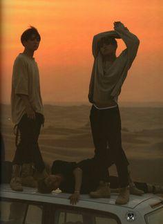 BTS * Summer Package in Dubai #방탄소넌단 * Cr: Follow @bts_scans at Twitter.