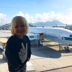 There I go again. Catch me if you can ❤️ #littlemissmia #worldtraveler #sydneysider #sydneykid #wewillmissyou❤️ #seeyounextyearsomewhere #peacebaby #kidsbrand #kids #cathaypacific #traveling #kidsfashion #girl #love #peace #happiness #family #p