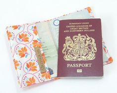 Passport cover pdf sewing pattern diy tutorial to make your own passport cover solutioingenieria Images