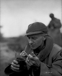 Who was Ernie Pyle? Essay Sample