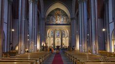Innenraum und Altar der Kirche St.Marien in Neuss