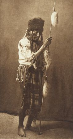On Top - Apsaroke (The North American Indian, v. Cambridge, MA: The University Press, :: Featured Sets Native American Photos, Native American Tribes, Native American History, American Life, American Quotes, American Symbols, American Women, Indian Tribes, Native Indian