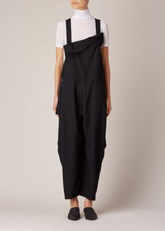 Y's by Yohji Yamamoto Salopette Jumpsuit (Black) Tsumtsum, Fashion Details, Fashion Design, Yohji Yamamoto, Fashion Show, Fashion Trends, Mode Inspiration, Mode Style, Japanese Fashion