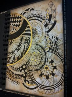 Zentangle on a Distress ink background with a golden touch. Miranda Bosch - Thurlings