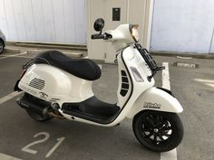 Scooter Bike, Vespa Scooters, New Vespa, Vespa Gts, Super Sport, Fiat 500, Gears, Automobile, Motorcycles