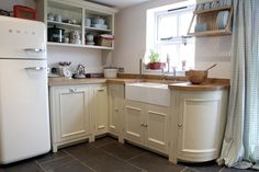 Chichester Kitchen #country#english