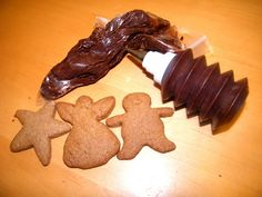 A little bit of Sweet, a little bit of Spice: Gingerbread Recipes (cookies and bread without the junk)