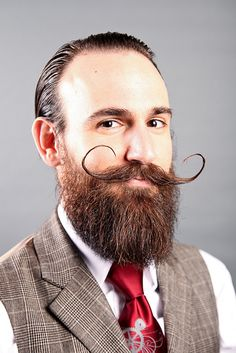 Great moustache and beard. I myself struggle a bit with the moustachewax to get nicely shaped.