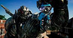 Transformers: The Last Knight  ha estrenado otro tráiler cargado de nuevas escenas protagonizadas por Isabela Moner , la joven actriz que h...
