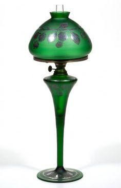 VICTORIAN DECORATED BLOWN GLASS JUNIOR BANQUET LAMP