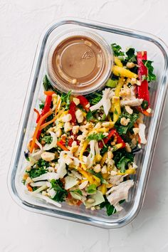 Chopped Thai Chicken Salad with Skinny Peanut Dressing (Meal Prep) - Learn how to prep an easy Thai chicken salad for your weekly lunches! Healthy Foods To Eat, Healthy Dinner Recipes, Healthy Snacks, Healthy Eating, Pastas Recipes, Salad Recipes, Cooking Recipes, Juicer Recipes, Cooking Games