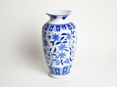 Lovely French Vintage Chinoiserie Blue and White Vase