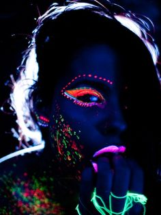 black uv light makeup. OMG this is exactly why I wanted that makeup. It's soo sweet!!!