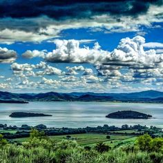 #Isole & #nuvole #AlTrasimeno  #island & #clouds at #trasimeno #lake  #igersperugia #igersumbria #vivoperugia #vivoumbria #loves_united_umbria #loves_umbria_ #ig_perugia #ig_umbria #volgoumbria_ #bestumbriapics  #instaitalia #igphotoworld #kings_hdr #super_shotz #exklusive_shot #lensakite #loves_water #worldbestgram #kings_meteo #great_captures_italia #nature_good #star_hdr by lorenzo.borgia