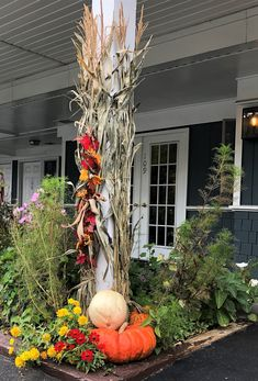 Fall Flower Pots, Fall Flowers, Outside Fall Decorations, Garden Center Displays, Ornamental Cabbage, Outdoor Statues, Annual Plants, Autumn Garden, Amazing Ideas