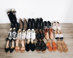 Minimalist Lifestyle Shoes My Year-Round Minimalist Shoe Collection - Emily Lightly planners. Minimalist Shoes, Minimalist Wardrobe, Minimalist Fashion, Minimalist Clothing, Minimalist Room, Capsule Wardrobe, Shoe Wardrobe, Slow Fashion, Trendy Fashion