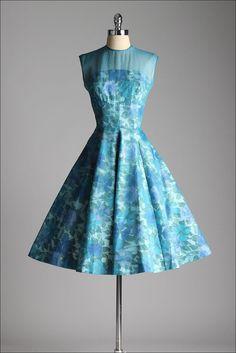 vintage 1950s dress . blue floral cotton