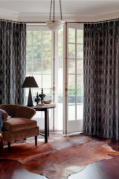 Design Boldly for 😍Frame a beautiful window or a magnificent view with on-trend geometrics and large scale patterns. Room, Windows, Custom Windows, Custom Window Treatments, Window Decor, Room Inspiration, Bay Window Treatments, Living Room Inspiration, Window Treatment Styles