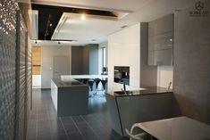 Showroom, Conference Room, Bathtub, Table, House, Furniture, Design, Home Decor, Standing Bath