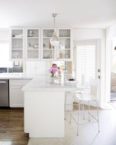 White surfaces create a crisp, streamlined atmosphere | domino.com