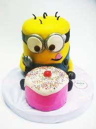 Ok @Michelle Ann you can throw me a minion birthday as long as it is complete... you MUST buy a cake as CUTE as this one!! <3