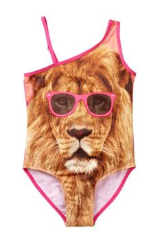Now this is quite the swimsuit. RAWR!