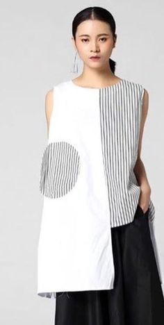 Stripes and 1 big dot How To Make Clothes, Diy Clothes, Blouse Batik, Couture Tops, Stripes Fashion, Mode Hijab, Linen Dresses, Mode Inspiration, Classy Outfits
