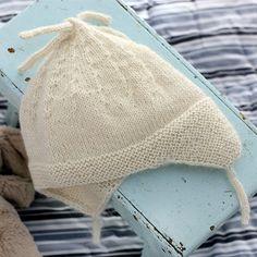Fin hue med øreklapper (in Danish) Knitting For Kids, Knitting Projects, Baby Knitting, Knitting Patterns, Crochet Bikini, Knit Crochet, Chrochet, Burp Cloth Patterns, Baby Barn