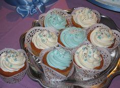 Cupcakes Frozen #cupcakesfrozen #cupcakesfrosting #cupcakes #whiteandbluecupcakes
