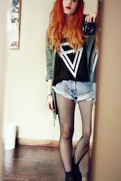 beautiful #grunge fashion and style, wish i could see all of her face tho xD