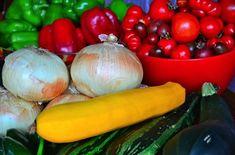 Mexican Hacienda, Tomato Garden, Garden Tomatoes, Zucchini Salsa, Canning Salsa, Fresh Tomato Salsa, Homemade Salsa, Frugal Meals, Salsa Recipe