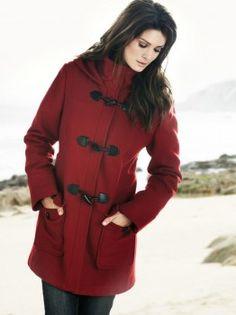 Frakk klassisk <3  Klassisk, pen & varm ull frakk. Frakken er formsydd. Med solid glidelås & knepping.