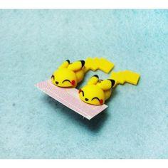 Pikachu Bite Ears pikachu,come orejas,bite ears,pokemon,earrings, pendientes