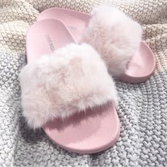 "ad88209518ad Well this slipper is one of those things. 💅🏼👸🏻🦄💒🎀"". Fuzzy SlidesPink  ..."