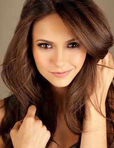 Hair color and highlights that I love! full-nina-dobrev-2001214449.jpg 936×1,210 pixels