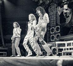 Eddie Van Halen ❤️ David Lee Roth and Michael Anthony 1984