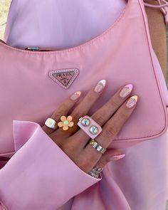 Nail Jewelry, Cute Jewelry, Jewellery, Inspiration Mode, Nails Inspiration, Cute Nails, Pretty Nails, Pink Prada Bag, Bling