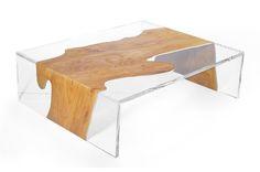 Mesa de centro realizada con madera de sauce y resina acrílica transparente. Está fabricada empleando tecnología CNC y técnicas artesanales. Dimensiones y modelos.